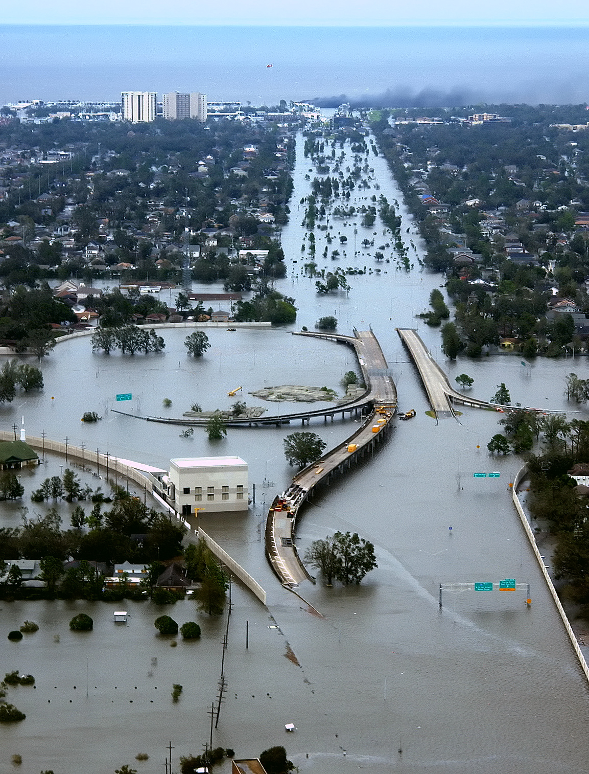 New Orleans flooding caused by 60 kt. winds, 10-14 ft. storm surge ...
